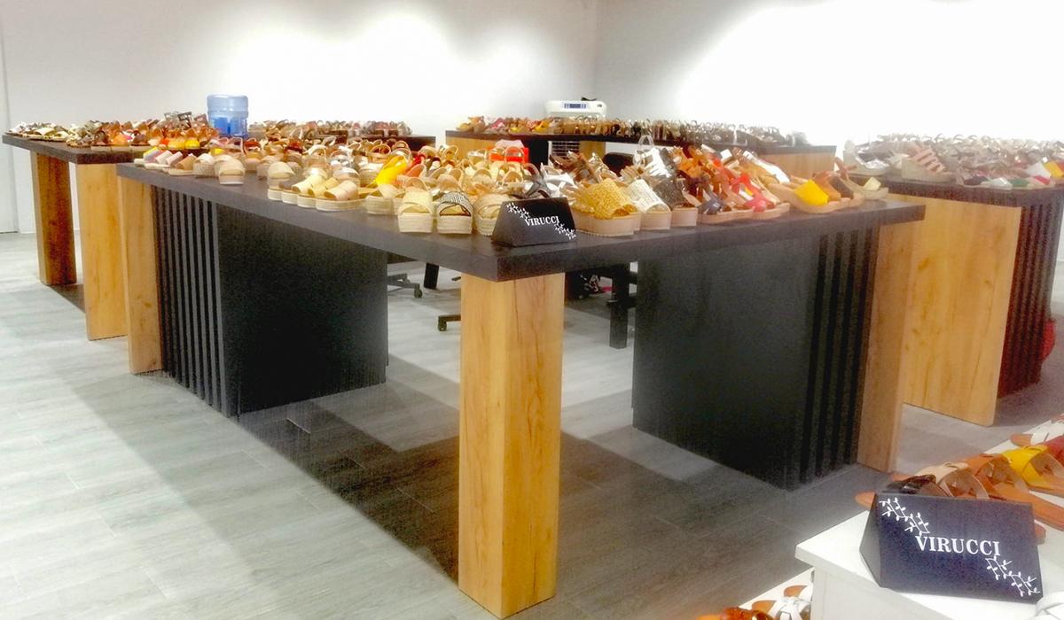 Mobiliario para tiendas comercios Stand