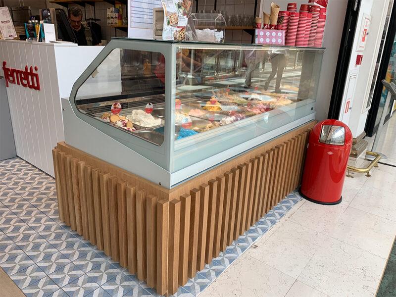 Mobiliario para comercios y restauración - heladería