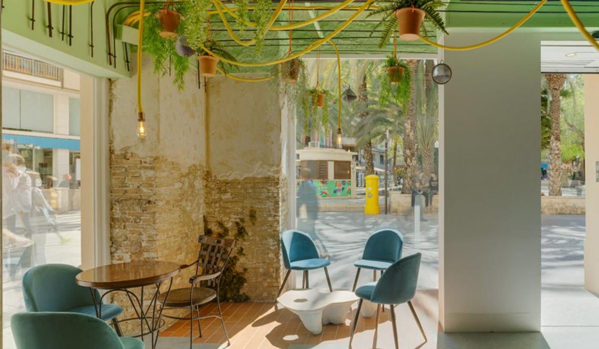 Mobiliario para comercio y cafeteria